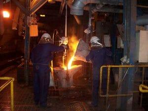 acetarc-foundry-ladle-metal-transfer-300x225