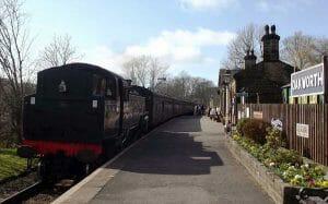 acetarc-heritage-steam-railway-KWVR-Oakworth-300x187